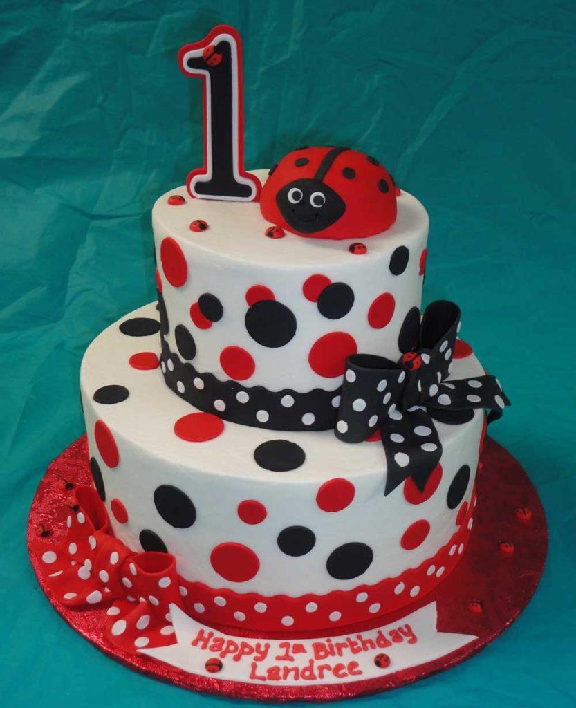 torta primo compleanno con coccinelle